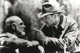 Harrison Ford Talks to an Old Man Fotografia por  Movie Star News