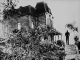 Psycho standing in Black and White Foto av  Movie Star News