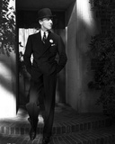 Fred Astaire on Stairs in Black Suit and Tie Foto av J Miehle