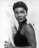 Pearl Bailey Posed in Black Tank Top Portrait with White Background Photographie par  Movie Star News