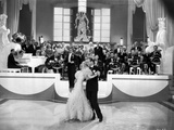 Fred Astaire and Ginger Rogers Dancing with Musical Orchestra Behind Them Foto av  Movie Star News