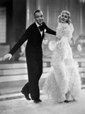 Fred Astaire and Ginger Rogers in Black Tuxedo and Furry Dress Foto av  Movie Star News