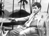 Al Pacino in Formal Outfit With Pistol Black and White Foto von  Movie Star News