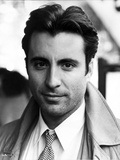 Andy Garcia in Coat With Black and White Background Foto von  Movie Star News