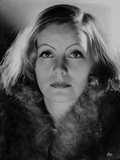 Greta Garbo wearing Fur Coat Close Up Portrait Photographie par  Movie Star News