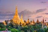 Yangon, Myanmar View of Shwedagon Pagoda at Dusk Reproduction photographique par  SeanPavonePhoto