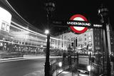 Piccadilly Night Impressão giclée por Leo Dolan