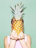 Girl Holding Pineapple. Fashionable Stylish Summer Valokuvavedos tekijänä  Porechenskaya