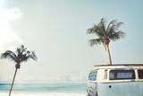 Vintage Car Parked on the Tropical Beach (Seaside) with a Surfboard on the Roof - Leisure Trip in T Fotografisk trykk av  jakkapan