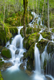 Water Cascading Down Toberia Falls Lámina fotográfica por Juan Carlos Munoz