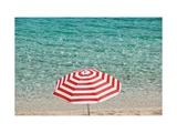 Close up of Striped Beach Umbrella near Sea, San Vito Lo Capo, Sicily, Italy Posters par Massimo Borchi
