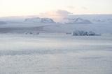 Ice, Icebergs, Glacier Lagoon, Jškulsarlon, South Iceland Reproduction photographique par Julia Wellner