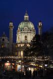 Austria, Vienna, Karlsplatz, Christmas Market, Karlskirche Reproduction photographique par Gerhard Wild