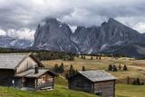Europe, Italy, the Dolomites, South Tyrol, Seiseralm, Langkofel and Plattkofel, Alpine Huts Fotografisk trykk av Gerhard Wild