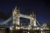 Tower Bridge across the Thames, at Night, London, England, Uk Fotografie-Druck von Axel Schmies