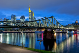Germany, Hesse, Frankfurt Am Main, Financial District, Skyline with Iron Footbridge at Dusk Reproduction photographique par Bernd Wittelsbach