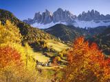 Italy, South Tyrol, VillnTal, St. Magdalena, Mountains, 'Geislerspitzen', Autumn Fotografisk trykk av  Thonig