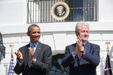 President Barack Obama and Former Pres. Bill Clinton on the 20th Anniversary of the Americorps Foto