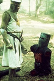 Monty Python and the Holy Grail, from Left: Graham Chapman as King Arthur, John Cleese, 1975 Foto