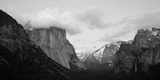 Clouds over Mountains, Yosemite National Park, California, USA Fotografisk tryk
