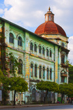 Old Colonial Architecture, Yangon (Rangoon), Myanmar (Burma), Asia Reproduction photographique par Craig Easton