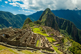 View of Huayna Picchu and Machu Picchu Ruins, UNESCO World Heritage Site, Peru, South America Reproduction photographique Premium par Laura Grier