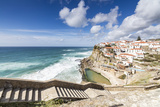 Top View of Perched Village of Azenhas Do Mar Surrounded by Crashing Waves of Atlantic Ocean Impressão fotográfica por Roberto Moiola