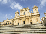 The Cathedral, UNESCO World Heritage Site, Noto, Sicily, Italy, Europe Reproduction photographique par Jean Brooks