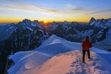 Europe, France, Haute Savoie, Rhone Alps, Chamonix, Aiguille Du Midi Snow Arete, Sunrise (Mr) Reproduction photographique par Christian Kober