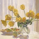 Tulipanes amarillos y manzanas Lámina giclée por Valeri Chuikov