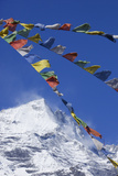 Prayer Flags in Front of Himalayan Mountain Range in Nepal Fotografisk tryk af John Burcham