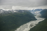 Clouds Hang Low over Peaks and Receding Glaciers in the Alaska Range Reproduction photographique par Beth Wald