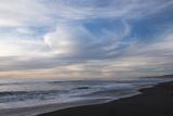 Sunset on Gold Bluffs Beach at Prairie Creek Redwoods State Park Premium fotografisk trykk av Krista Rossow