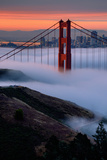 Paradise Sunrise and Fog, Golden Gate Bridge, San Francisco Fotoprint av Vincent James