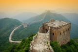 Great Wall of China. Unrestored Sections at Jinshanling Fotografie-Druck von Sean Pavone