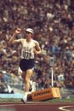 Us Dave Wottle, Gold-Medalist 800 Meter Run at the 1972 Summer Olympic Games in Munich, Germany Fotografie-Druck von John Dominis