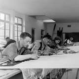 Artists Designing Aubusson Tapestry Weaving in France, 1946 Reproduction photographique par David Scherman