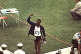 Wayne Collett after Winning Men's 400-Meter Race at 1972 Summer Olympic Games in Munich, Germany Fotografisk trykk av John Dominis