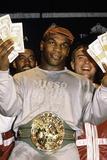 Bokser Mike Tyson buiten de ring Foto van  Globe Photos LLC