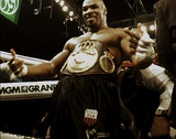 Bokser Mike Tyson buiten de ring Foto van  Globe Photos LLC