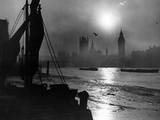 Sunset at the Thames in London, 1930's Photographic Print by  Süddeutsche Zeitung Photo