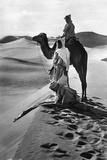 Prayer in the Desert, 1935 Impressão fotográfica por Scherl Süddeutsche Zeitung Photo