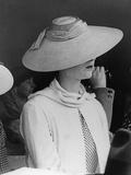 Strawhat for Women, 1937 Fotografisk trykk av Scherl Süddeutsche Zeitung Photo