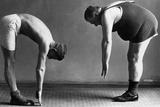 Two Men at the Gym Fotografisk trykk av Scherl Süddeutsche Zeitung Photo