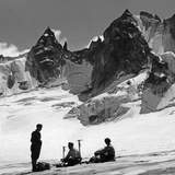 Alpinists in Switzerland, 1939 Fotoprint van Knorr Hirth Süddeutsche Zeitung Photo