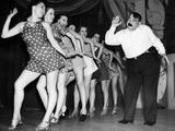 Billy Bennett and the George Hale 'Glamour Girls', 1937 Fotografisk trykk av Scherl Süddeutsche Zeitung Photo
