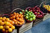 Six Baskets of Assorted Fresh Fruit for Sale at a Siena Market, Tuscany, Italy Reproducción de lámina sobre lienzo por Gipstein, Todd